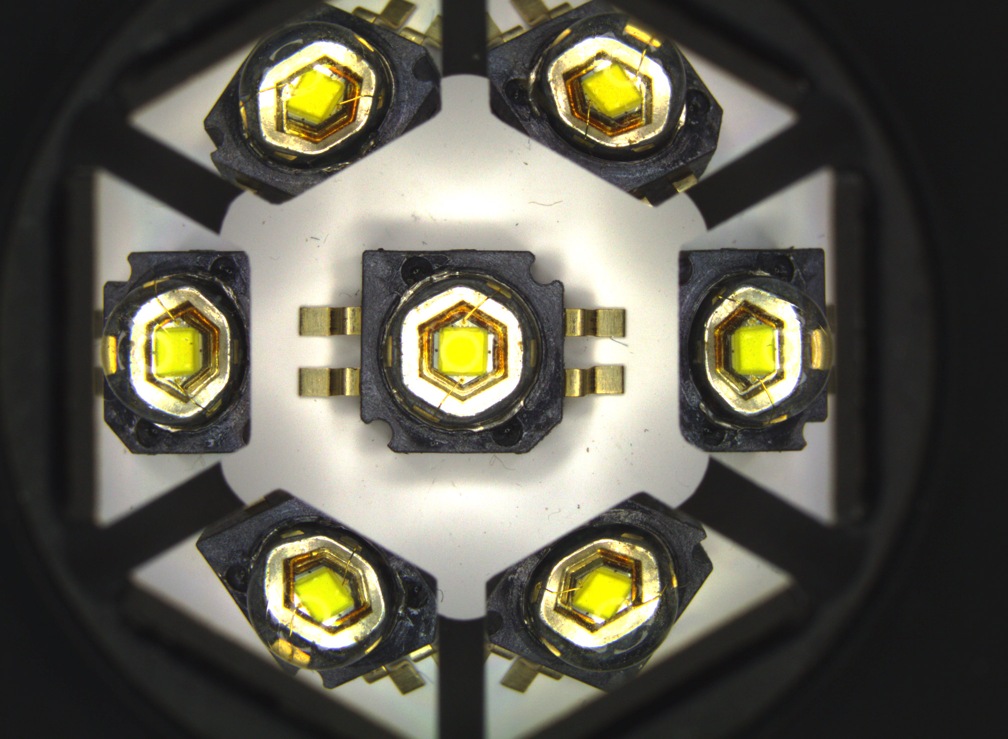 <b>LED quality control:</b> lens scratches, die centering and correct wiring can be inspected and measured.