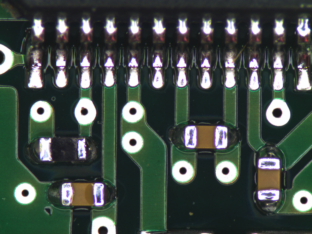 Electronic board imaged by a TCZR, full magnification